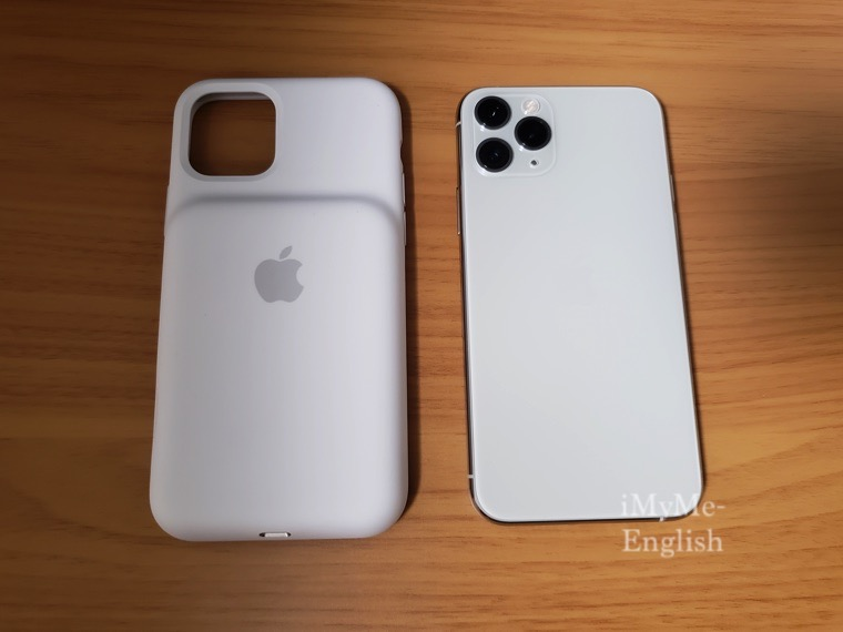 「Apple iPhone 11 Pro Smart Battery Case ホワイト」の写真