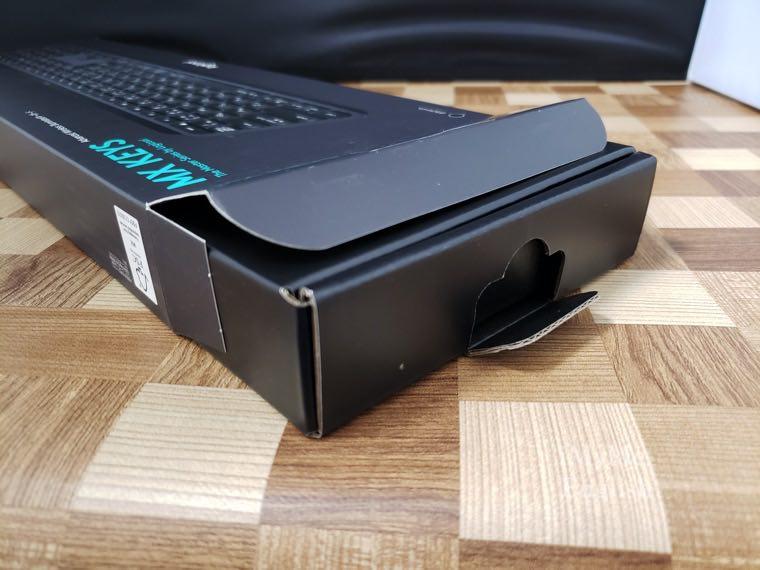 ロジクール ワイヤレスキーボード「KX800 MX KEYS」の写真7