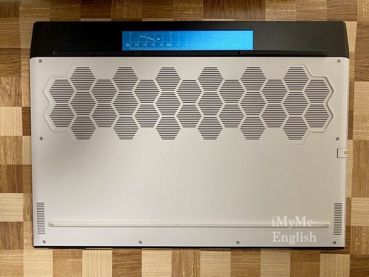 Dell「New Alienware m17 R3」の写真14