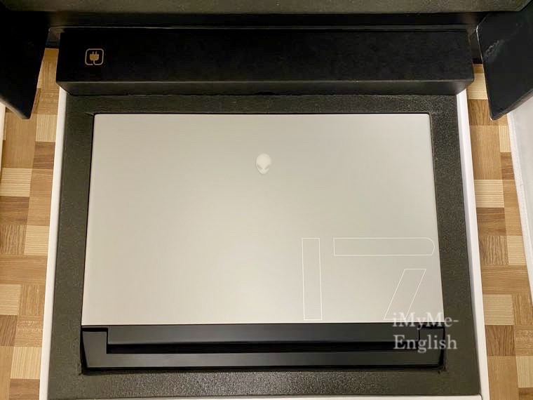 Dell「New Alienware m17 R3」の写真3